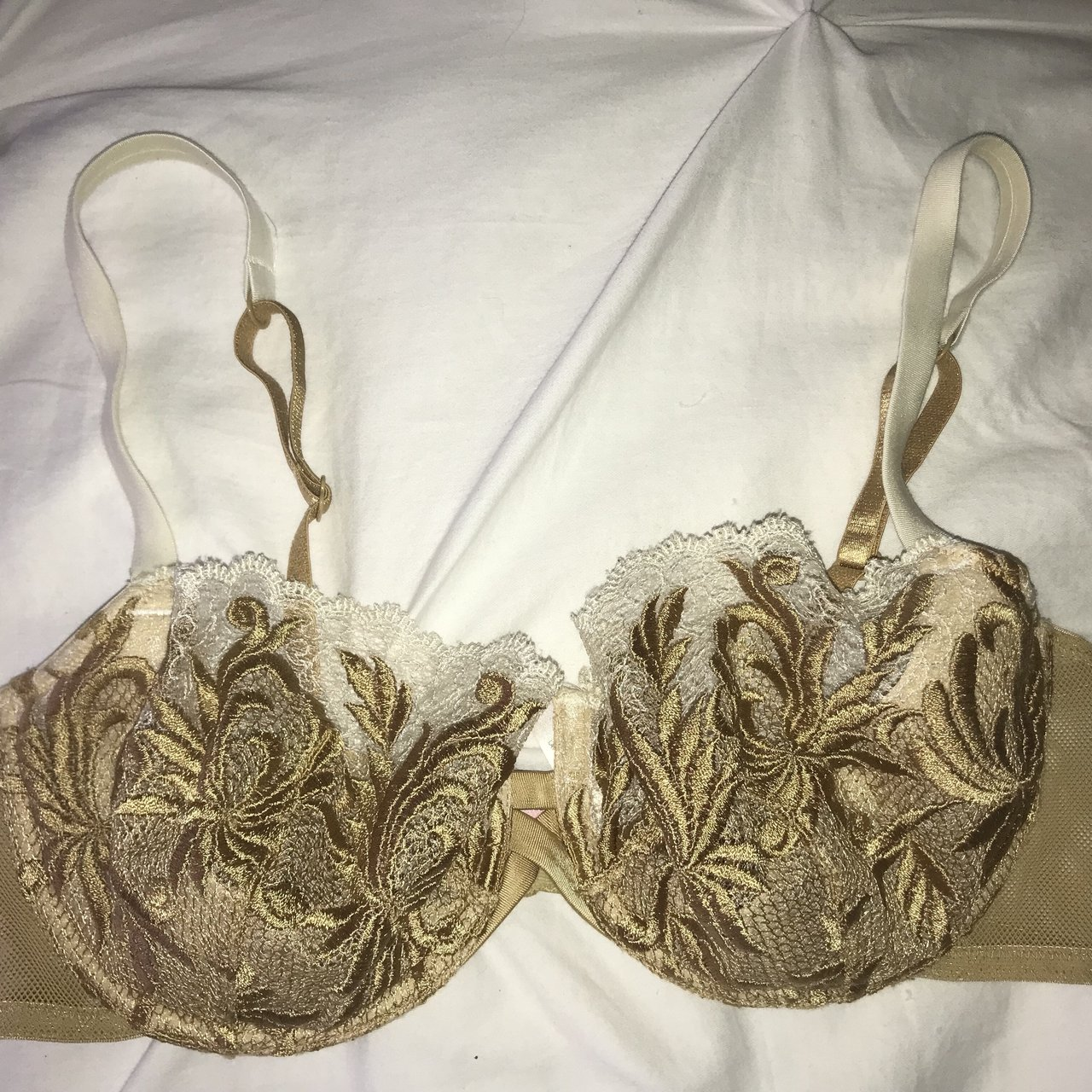 f298b75159994 Sexy lace lightly lined wire bra! Victoria s Secret  bra - Depop