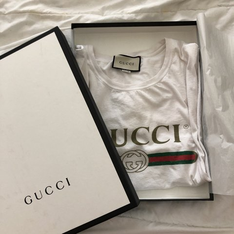 dd029f47c01b *pls message before buying* Authentic Gucci White logo tee. - Depop