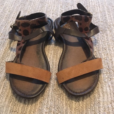 500ee1170b8b10 SUPER CUTE STRAPPY SANDALS SIZE 8 to 8 1 2 Gently used and - Depop
