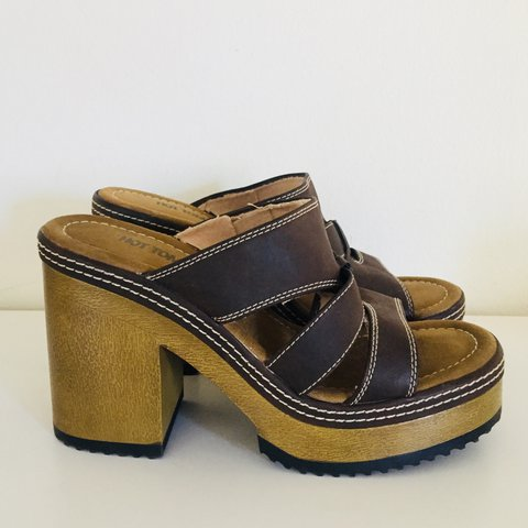 27473ec82ebbe Vintage 90s Platform Clogs Sandals Cut Out Heel Vegan 9 B 40 - Depop