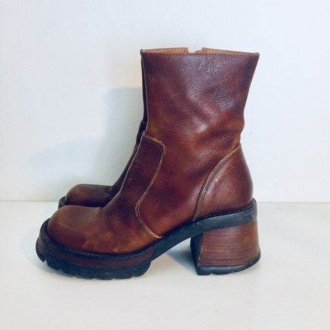 ca6ca5b3bc6 Vintage 90s Platform Boots Leather Ankle Boots Chunky Wood B - Depop