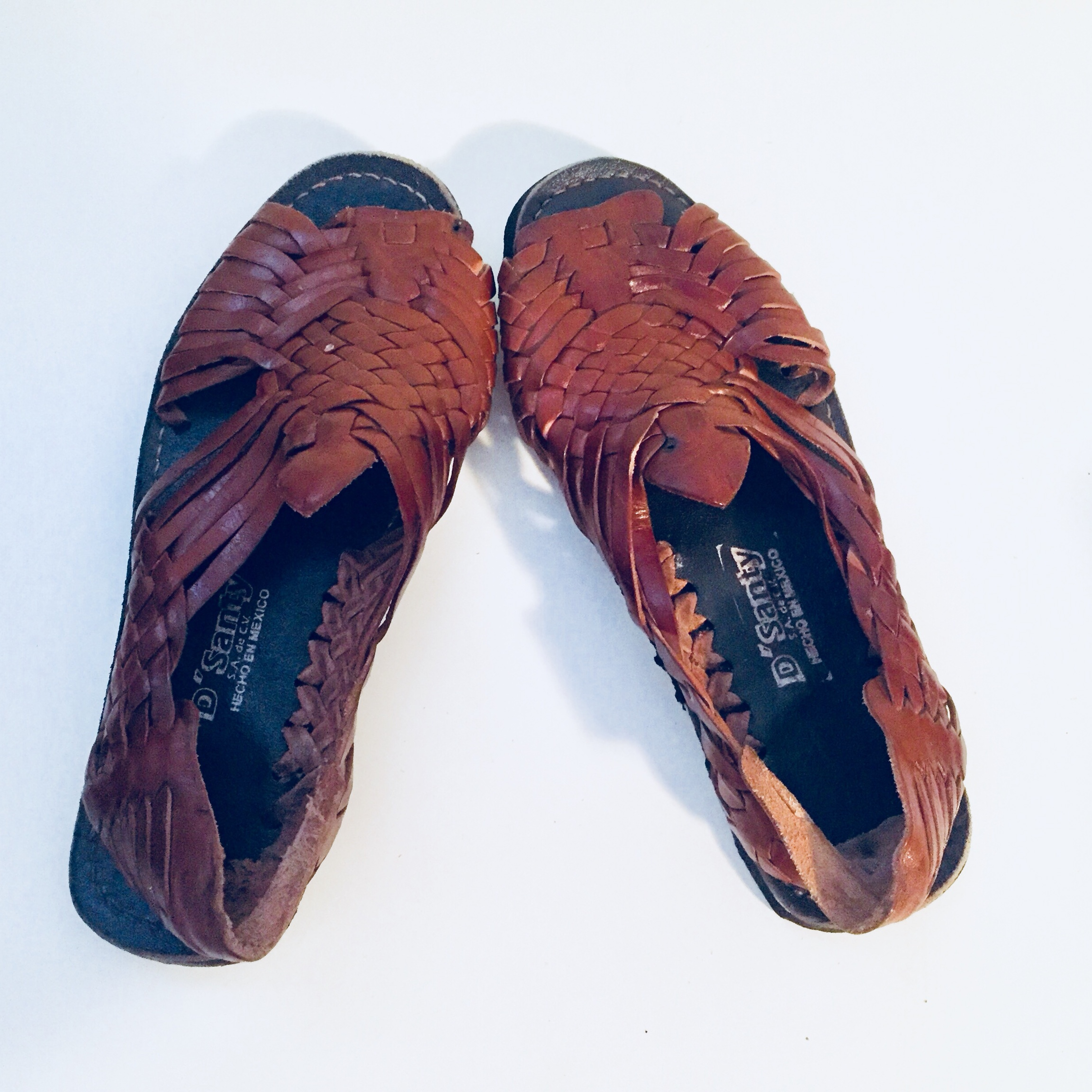 34f81b16f96a2 Vintage Brown Leather Huarache Sandals Mexican... - Depop