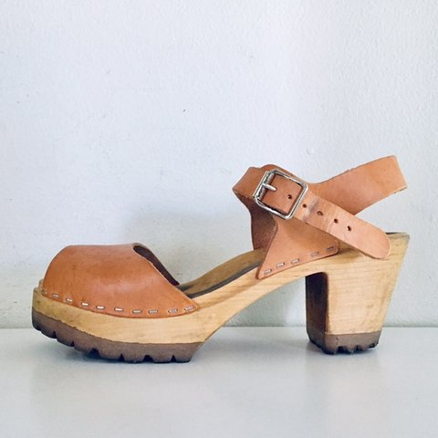 a3bba93d4 Platform Clogs Wood Chunky Heels Tan Leather Sandals Made in - Depop