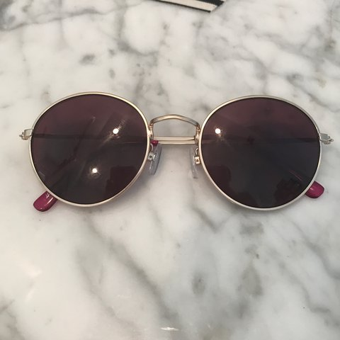 b6b3015d529d H&M round sunglasses with slightly purple tinted lenses for - Depop