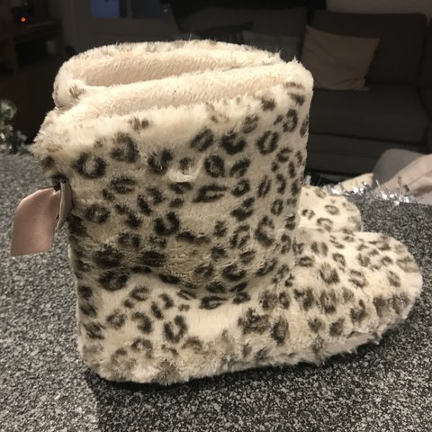 b04a5a2a5835 @charlotte_gardiner. 3 months ago. Reading, United Kingdom. Leopard print  slipper boots for sale. They have only been ...