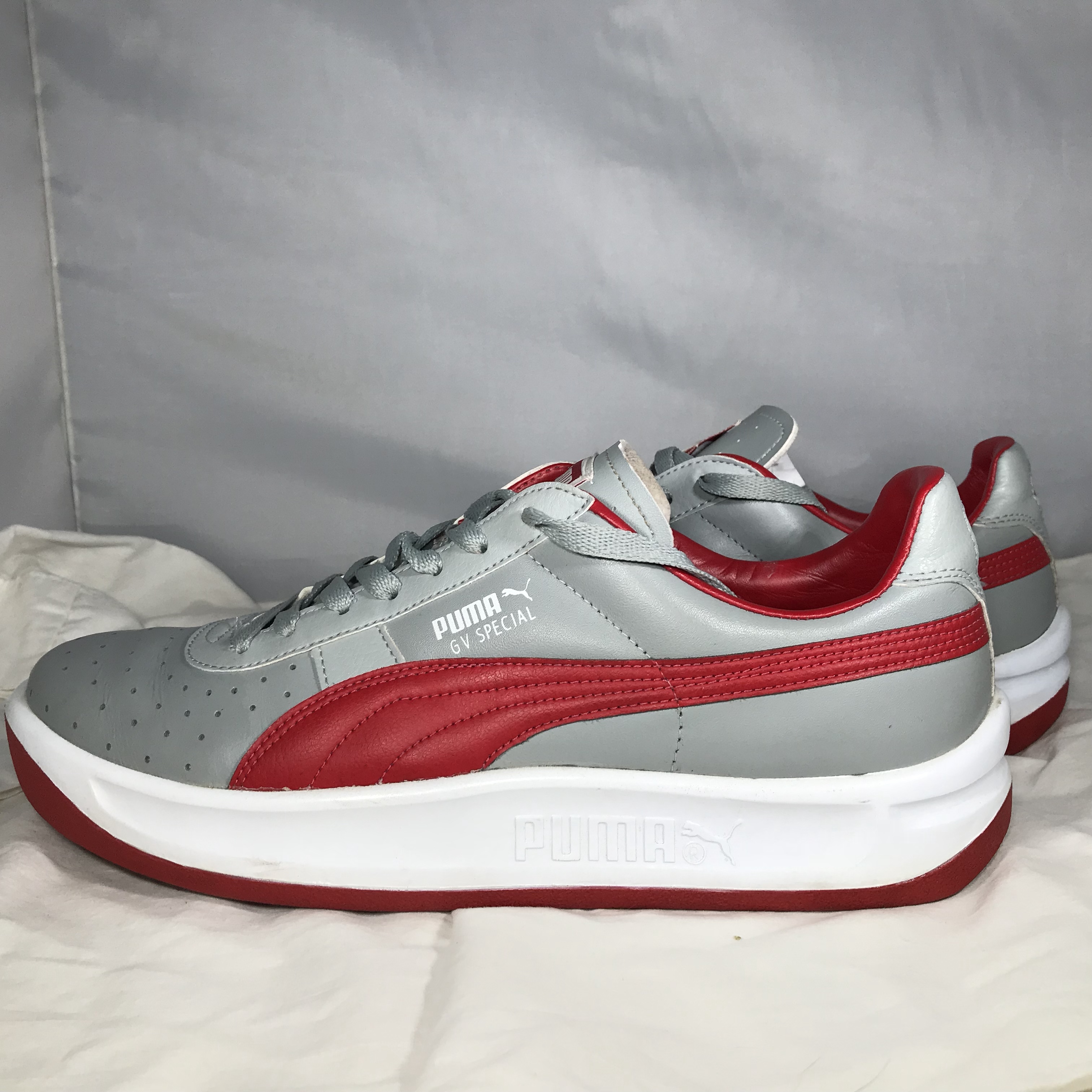 promo code ee2f2 218e5 Used Red, Grey, and White Puma GV Special Men's... - Depop