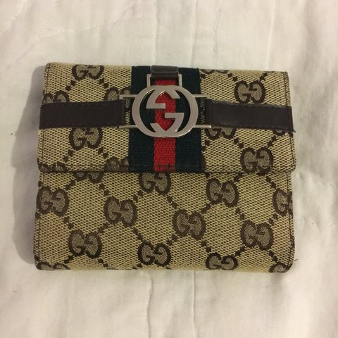5d0f6d93a10f8e SMALL GUCCI WALLET/PURSE • GREAT CONDITION • £80 • PRICE was - Depop