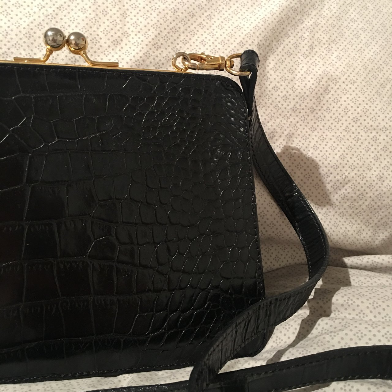 1982b5123c39 Snake skin style crossbody clasp bag. Good detailing and and - Depop
