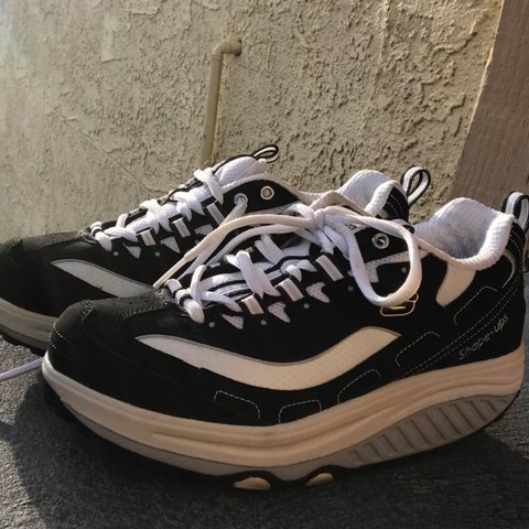 4a6a4720 @hantoto. last year. San Francisco, United States. black n white vintage skechers  shape ups platform sneakers ...