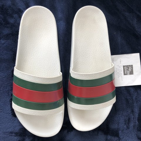 d344bb8ac68 Gucci Pursuit  72 Slides White Authentic purchased at Saks w - Depop