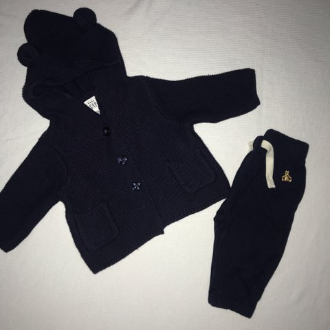 cf8ccf058 Baby GAP bear hoodie/sweater and bottoms set -Size: 0-3 new - Depop
