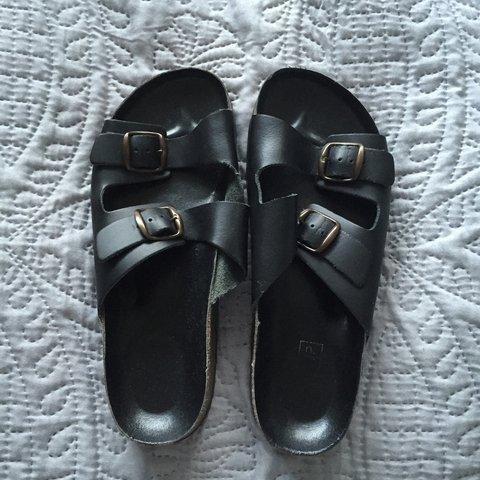 8854490f156b Topshop Birkenstock style double strap sandals small size 5 - Depop