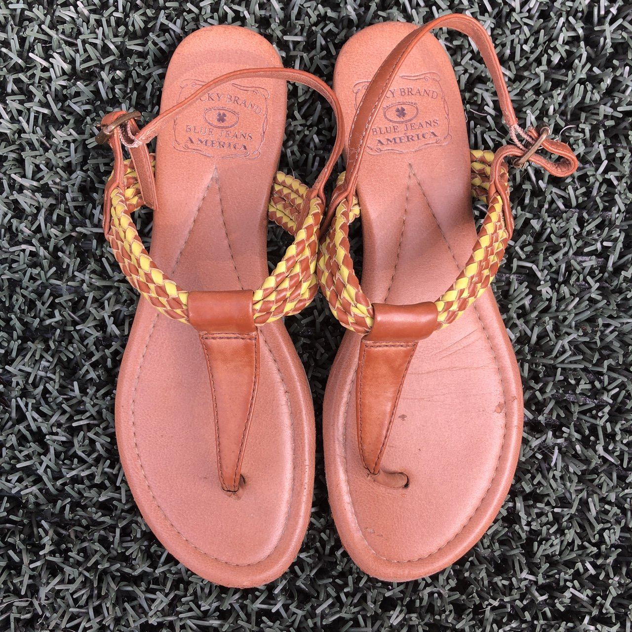 f536700ec203 Lucky Brand size 8 US women s sandals. Brown leather with T - Depop