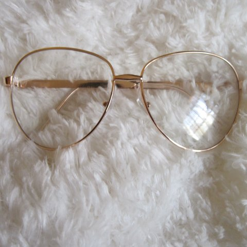 Clear frame gold wire rim glasses. So cute but they don\'t my - Depop