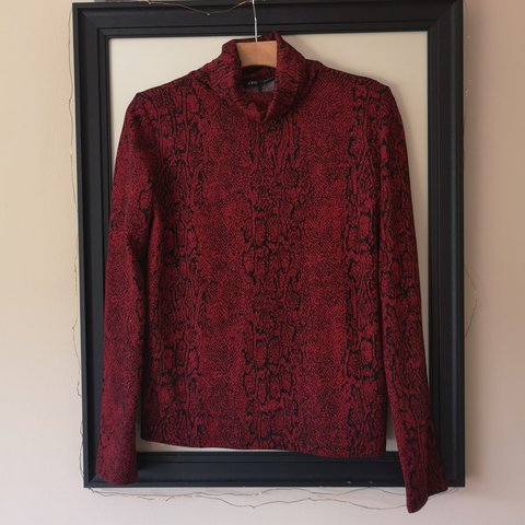 8f6dea8d0 ZARA snake print red polo top