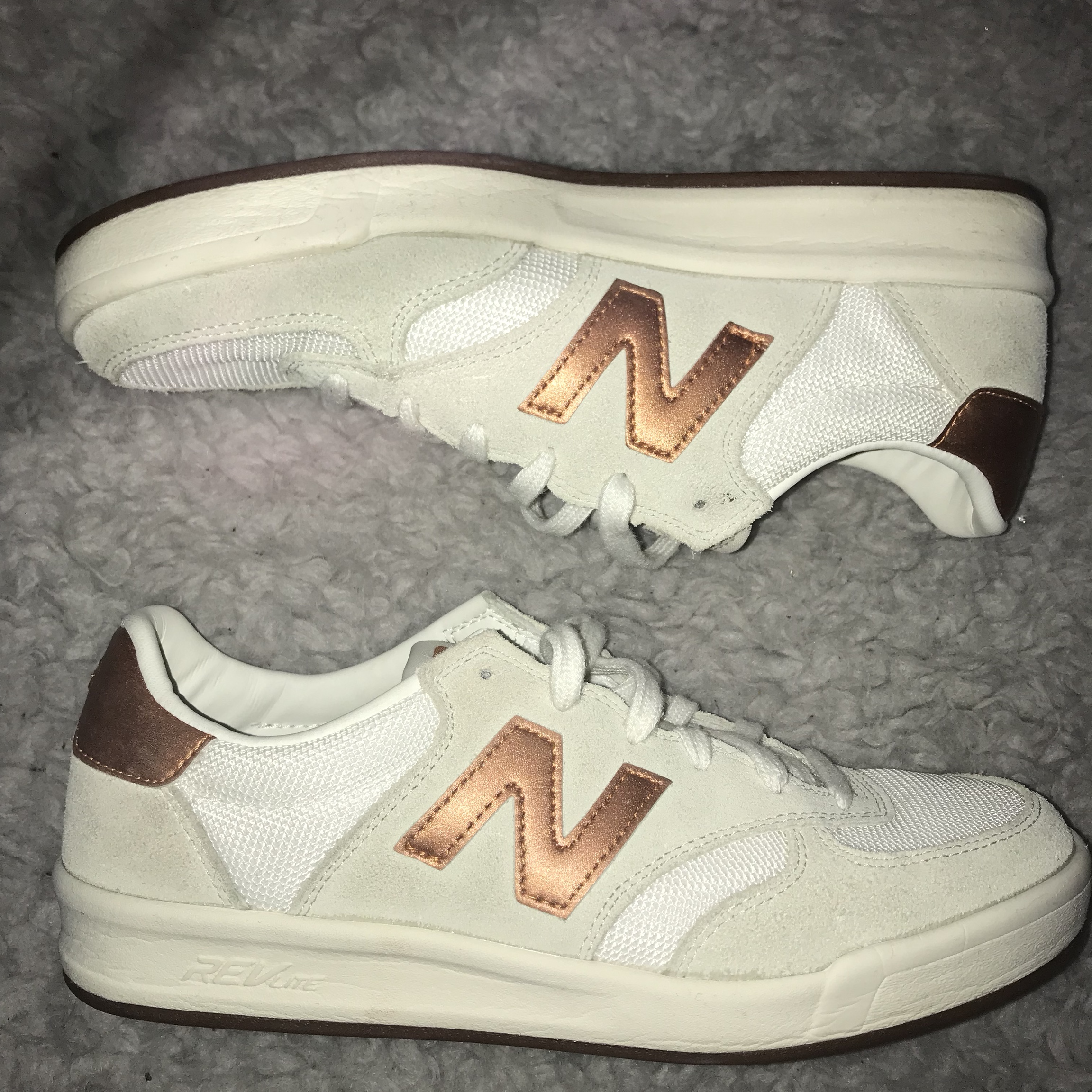 new balance 300 suede court trainers with copper trim in white