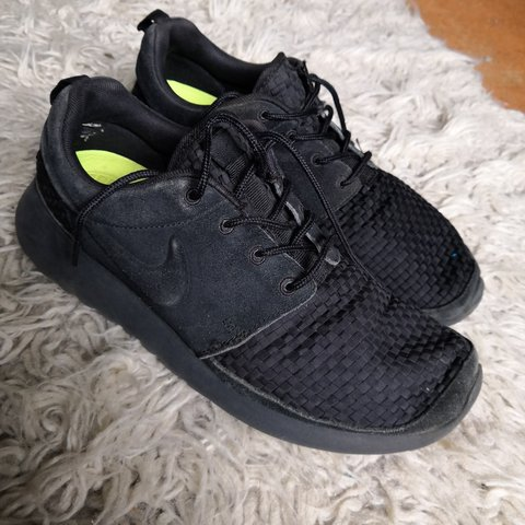 sports shoes 77f55 65def  marthagalilee. 10 months ago. Crondall, Hampshire, United Kingdom. Nike  roshe run limited all black woven edition