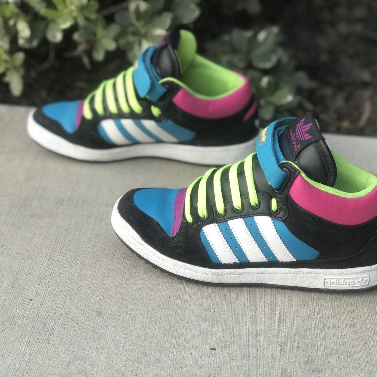 best sneakers d2b7e f6559 Women Adidas Decade Mid shoes sz 8. Good condition. See for