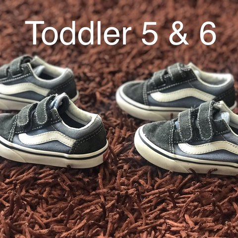 18b41ef880803f Toddler Vans bundle sz 5   6 Good condition. Velcro straps - Depop