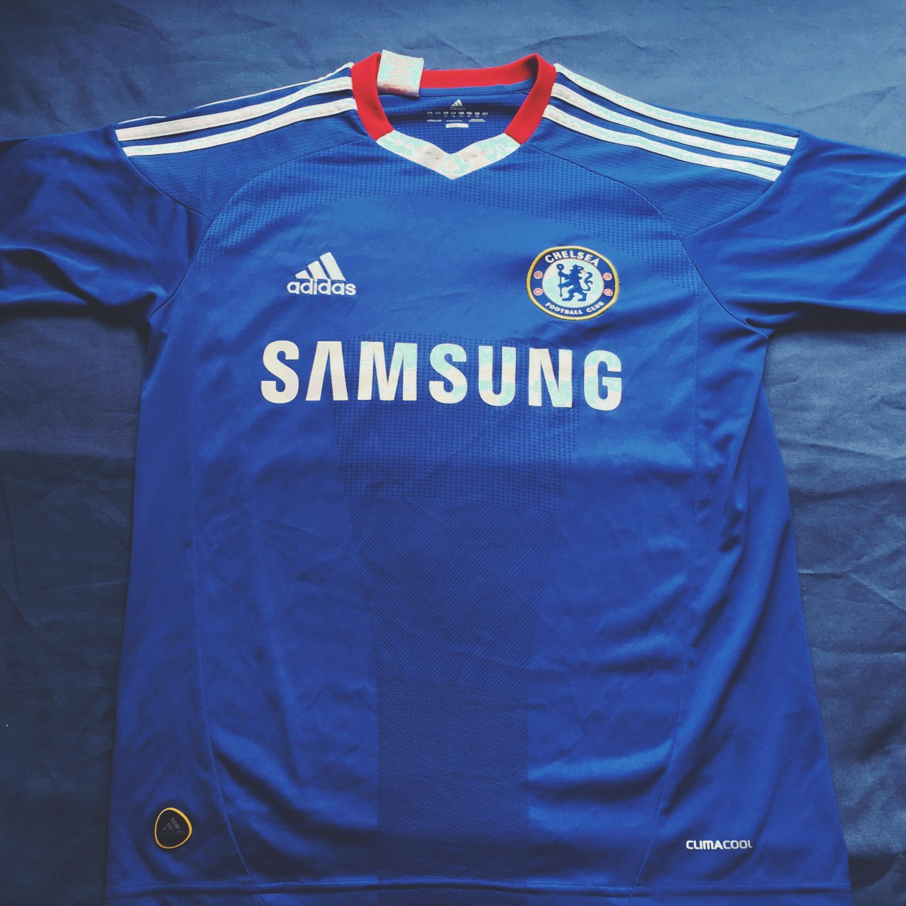 Chelsea FC 2010-2011 Home Shirt    No name or number printed - Depop a82d95863