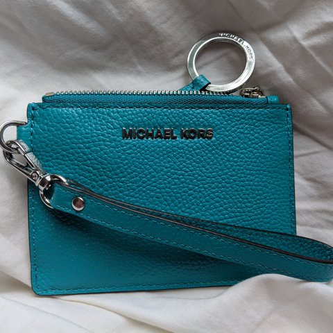 25b956a22334d6 Brand New Without Tags Michael Kors Leather Wristlet Wallet. - Depop