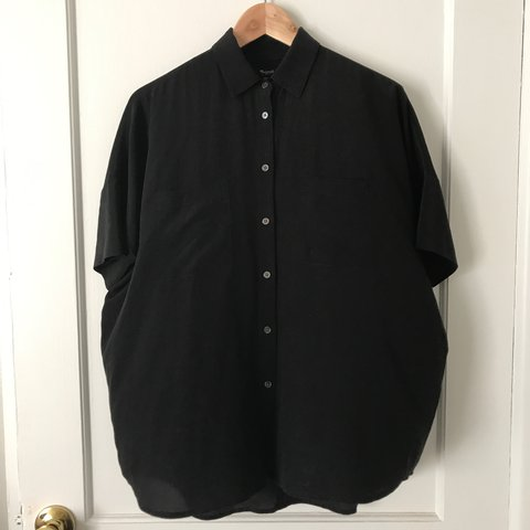 b542a0cf5dea74 @omgcarlyidk. 2 years ago. Austin, United States. Black silk courier shirt  from madewell. Sadly too small now!
