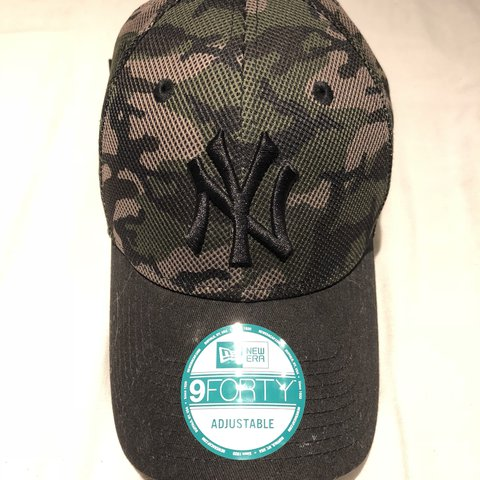 f5396878af9 New era cap Camo Black With stickers Great condition