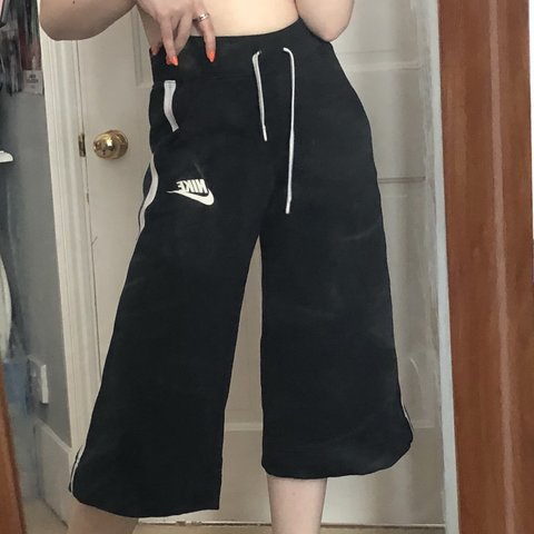 678a905bfb223 @maceyvickers. 2 months ago. Southwold, United Kingdom. Nike cropped  tracksuit culottes ...