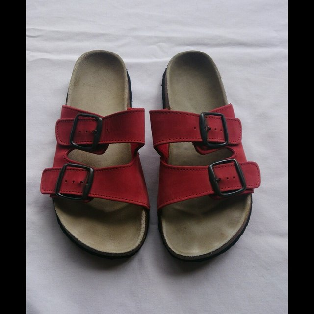 0eacd2478acb Nikko sandals in the Birkenstock style. Beautiful red Im a i - Depop