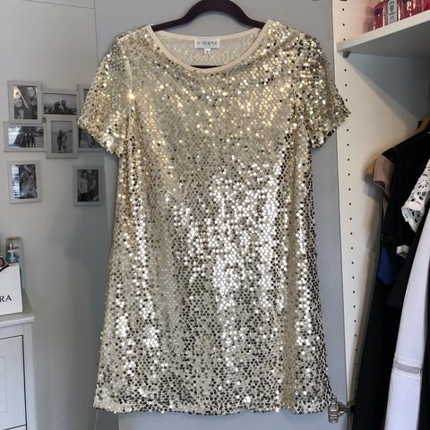 20a9c686ca In the Style size 8 gold sequin T-shirt dress Worn once H M - Depop