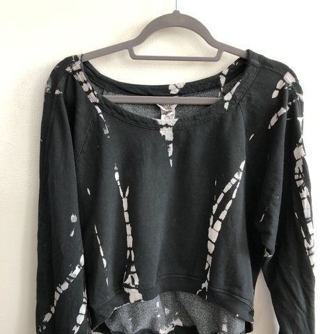 26c8049a6486 HARD TAIL black and white tie dye crop sweater with cinching - Depop