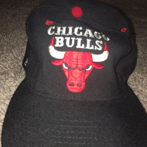 d8fd2eafc39ac Fitted 90s starter Chicago bulls hat size 7-7 3 4 Some small - Depop