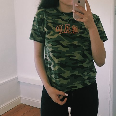 Gap Camo T Shirt Really Love This So Price Is Set Atm Fit Depop