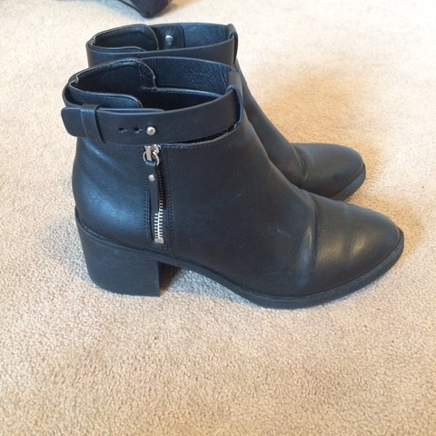905f5cbf6e29 Gorgeous H M black leather ankle boots. Small heel. Great as - Depop