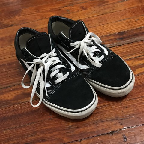 74e761fce67 Worn but in good condition pair of Vans Old Schools size in - Depop