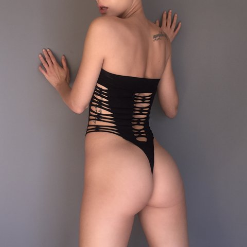 20bca3b963e Strappy Strapless Thong Bodysuit Super Stretchy! Small New - Depop