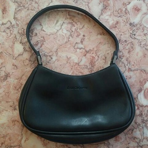 Liz Claiborne Purse Small Shoulder Bag. Color black. - Depop 0becb64224c66