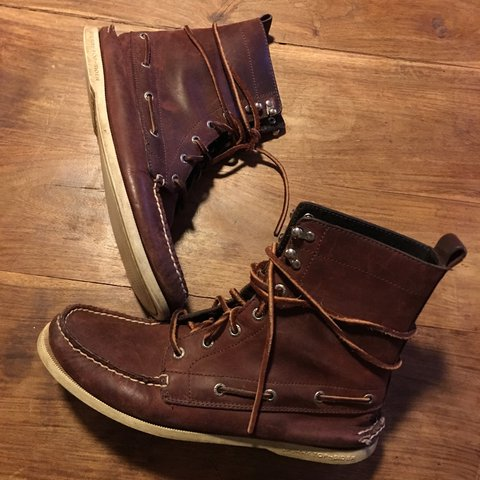 49d8cfe92902 Sperry Top Sider Boots Size 10 - Depop
