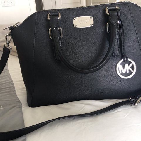 6861d9cb6113fb @xoxo_inbloom. last year. Park City, United States. Michael Kors Black  Large Ciara Used for one week. No wears or tears