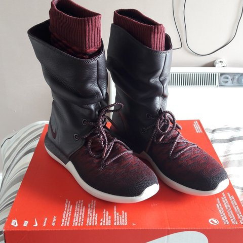 33c10d00fcd8c Nike roshe red two hi flyknit boots. Brand new. Size 6  nike - Depop
