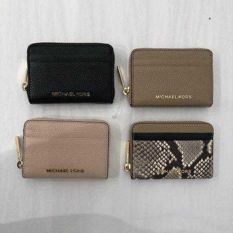 545409ac743b @mprz2412. 8 days ago. Laredo, United States. Michael Kors small zip wallet  ...