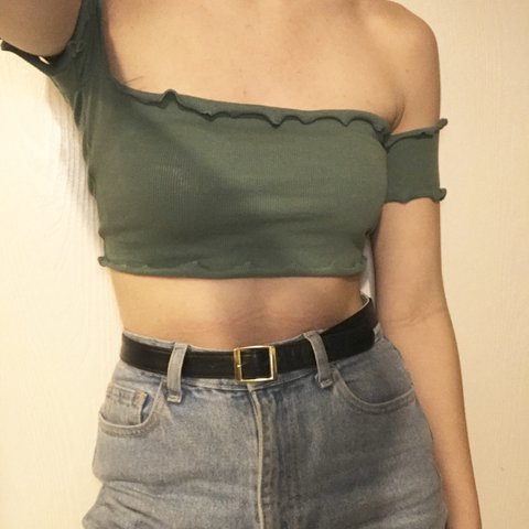 3e414712d7220 Green lettuce crop top with off the shoulder — Size M — cute - Depop