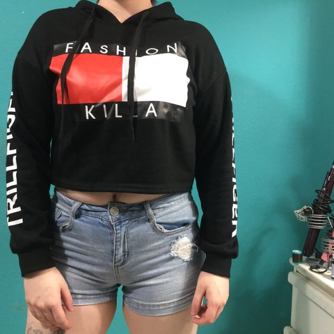 f38dfa93766ae5 ✨NEVER WORN✨ popular fashion killa cropped hoodie. tommy fit - Depop