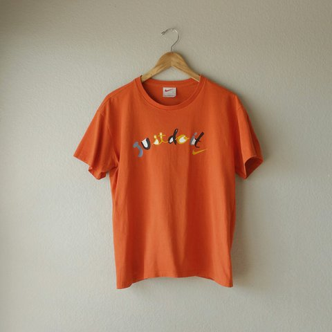 46124dad1a67 Orange Nike T-shirt with yellow