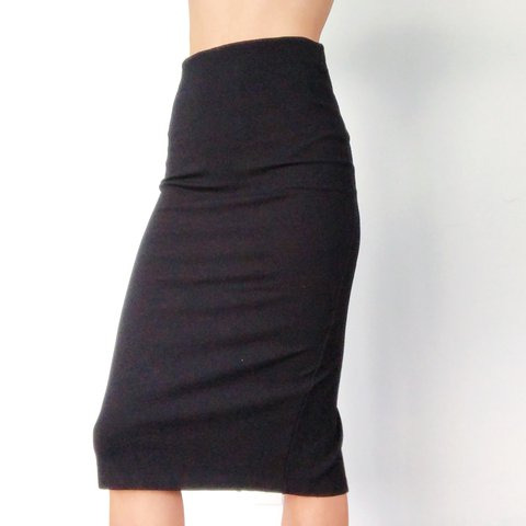 e65009878add @malinad. 2 months ago. Kapaa, United States. • Forever 21 pencil skirt  with back slit • Good condition