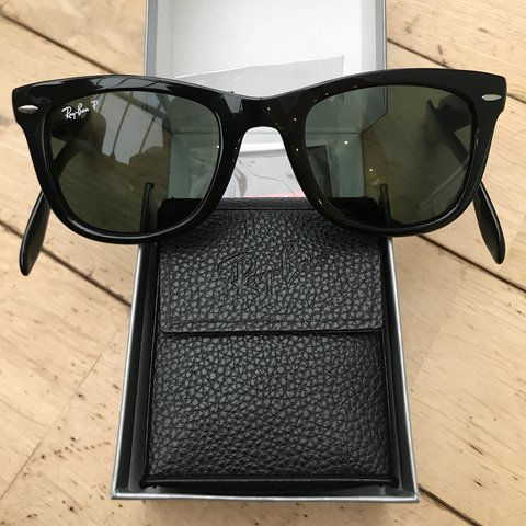 f997e11fc28 Classic folding wayfarer Ray-Ban sunglasses with green G15 - Depop