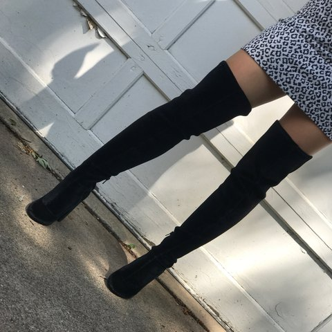 2b13d78e8dad THESE BOOTS WERE MADE FOR WALKIN🖤🖤🖤 these fly high thigh - Depop