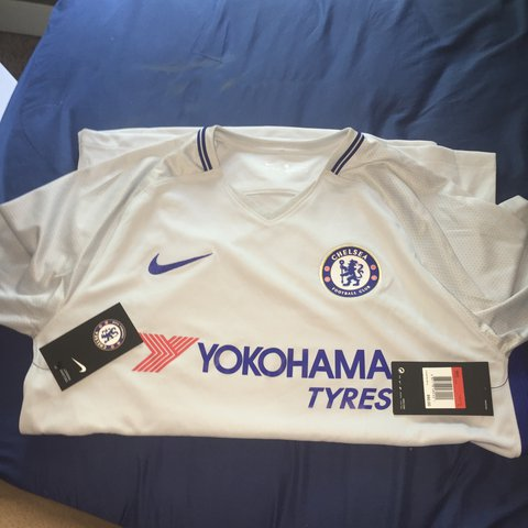 c4c96fa4216 Chelsea Football Club Jersey Dry Fit Men s size  Large NEW - Depop