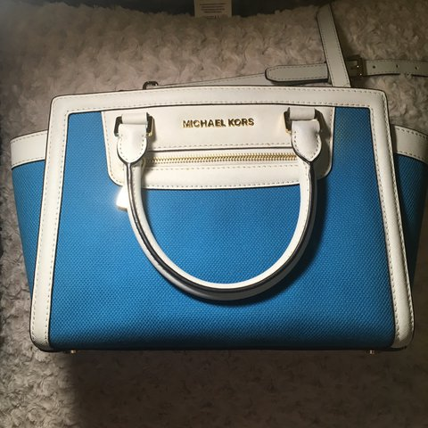 76120d2f79100 blue and white MK purse. - Depop