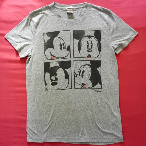 f7e252417 @urbanlicious. 8 months ago. Honolulu, Honolulu County, United States.  Abercrombie & Fitch Men's Mickey Mouse T-shirt Sz M